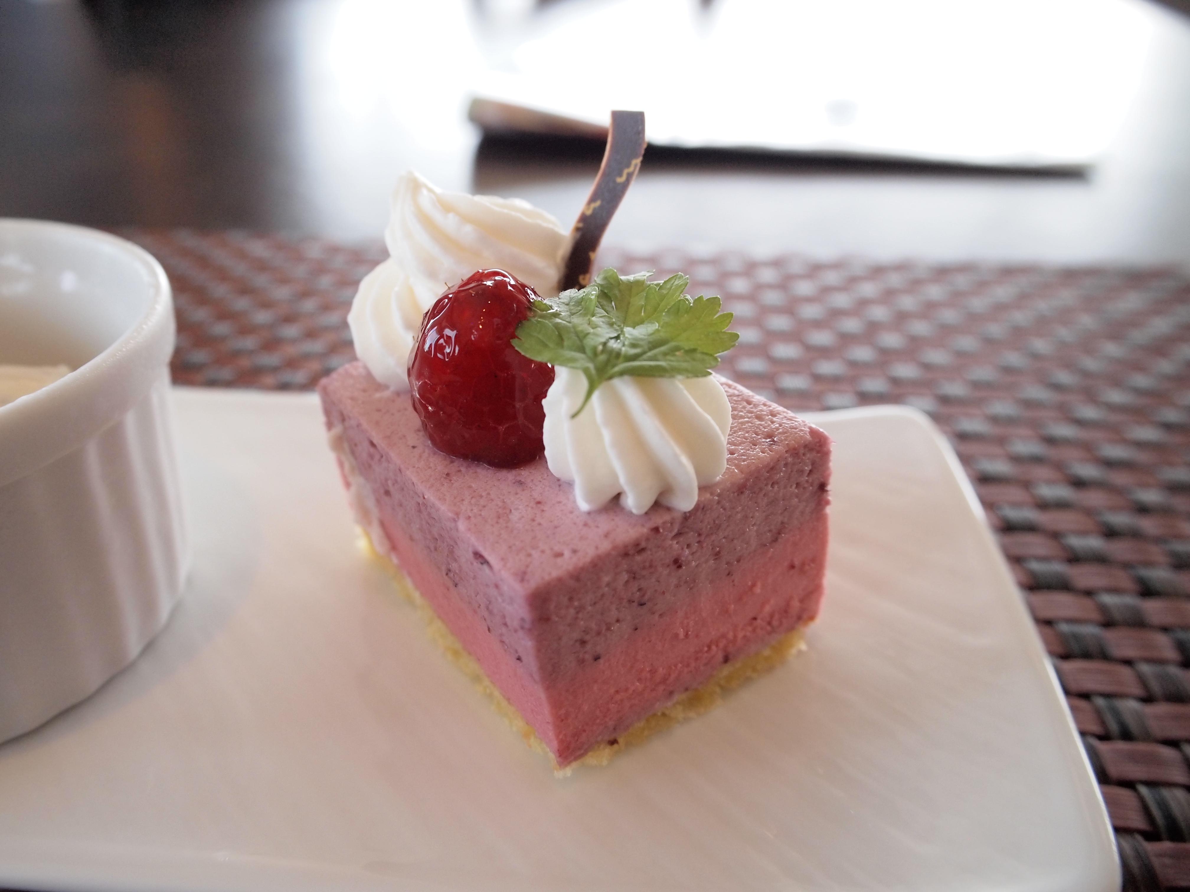 ホテルプラザ神戸 スマイリーネプチューン ランチ デザート ケーキ
