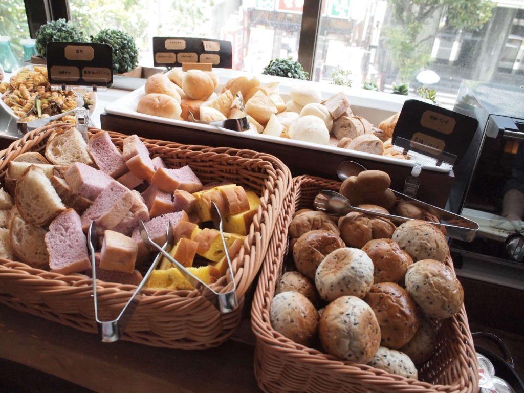 神戸 三宮 レガリエッタ ランチ ビュッフェ パン食べ放題 バイキング メニュー