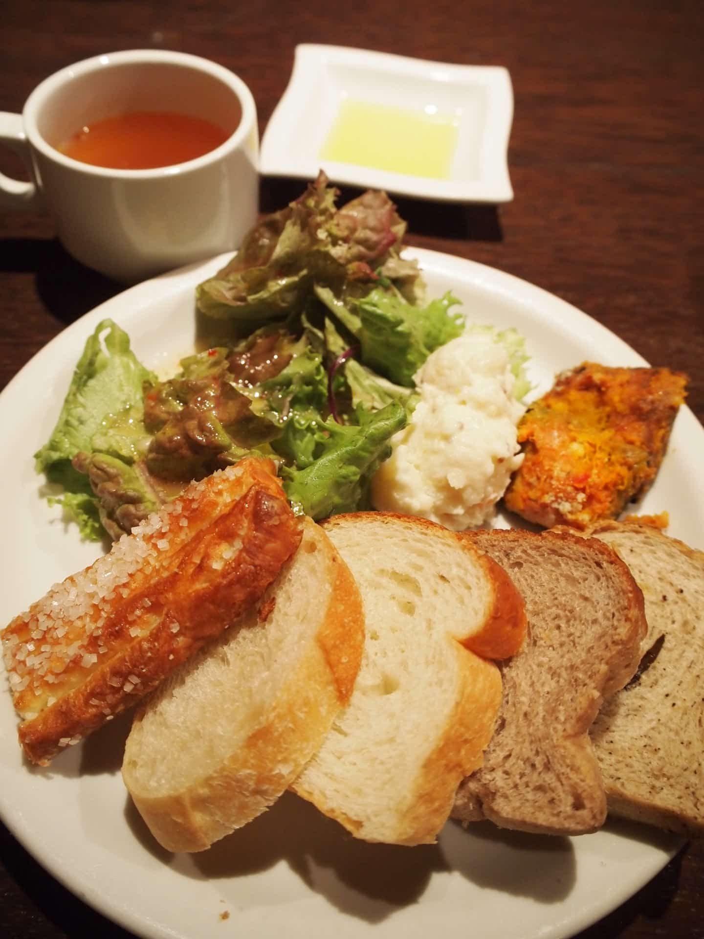 アルバータアルバータ パン食べ放題 神戸 三宮 ランチ バイキング ビュッフェ 食べ放題 おすすめ 人気