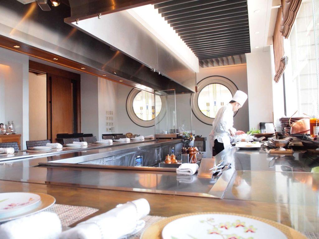 ホテル ラ・スイート神戸ハーバーランド ランチ 鉄板焼 心 一休レストラン