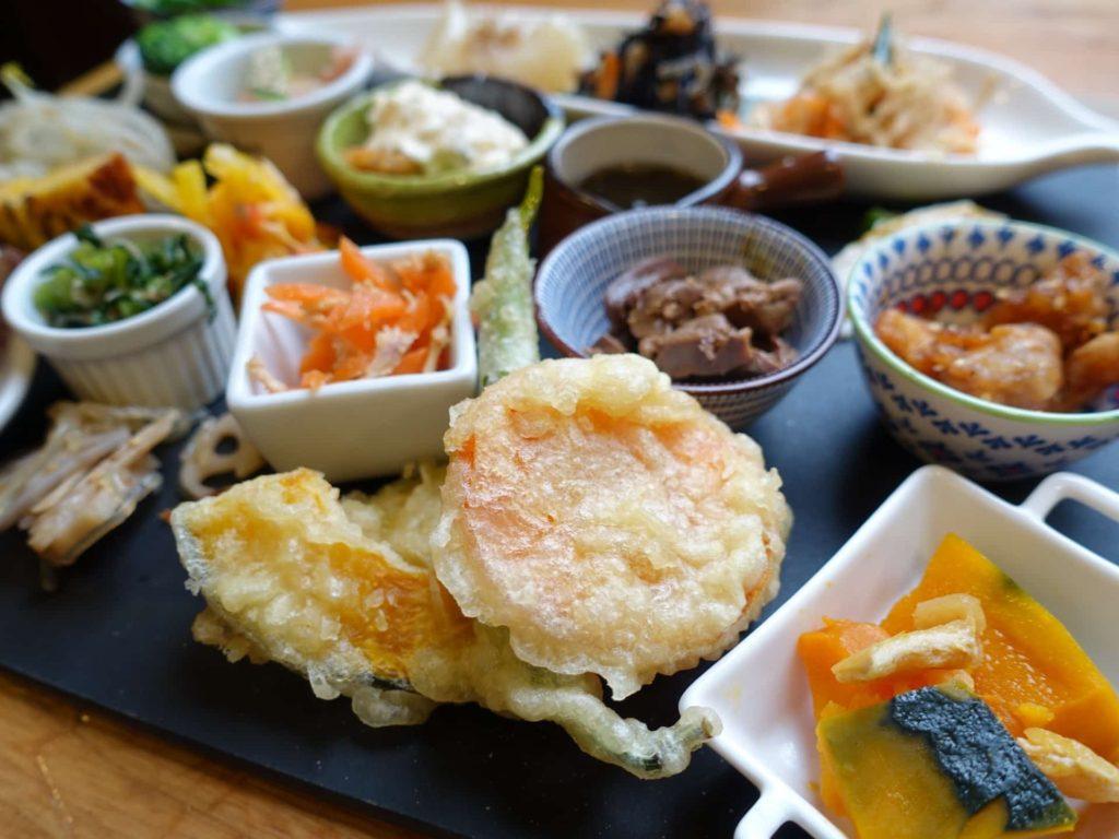 鶏料理 ひとりひとり 三宮 神戸 ランチ プレート
