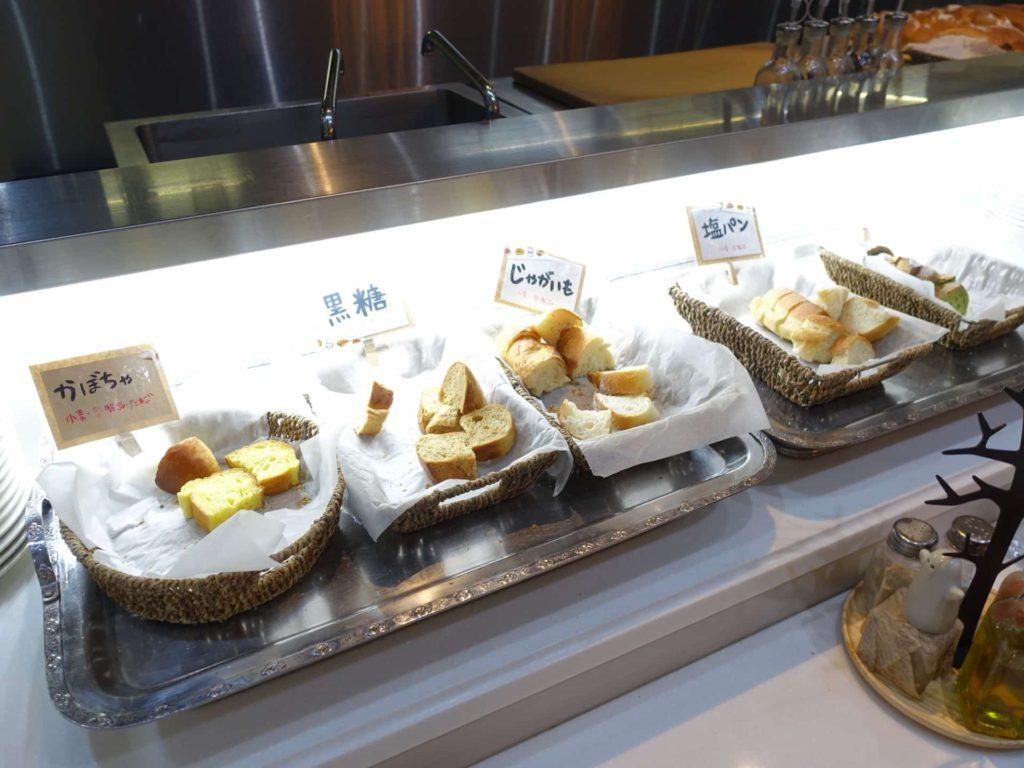 収穫祭 三宮店 ランチ メニュー 神戸 パン食べ放題 バイキング ビュッフェ