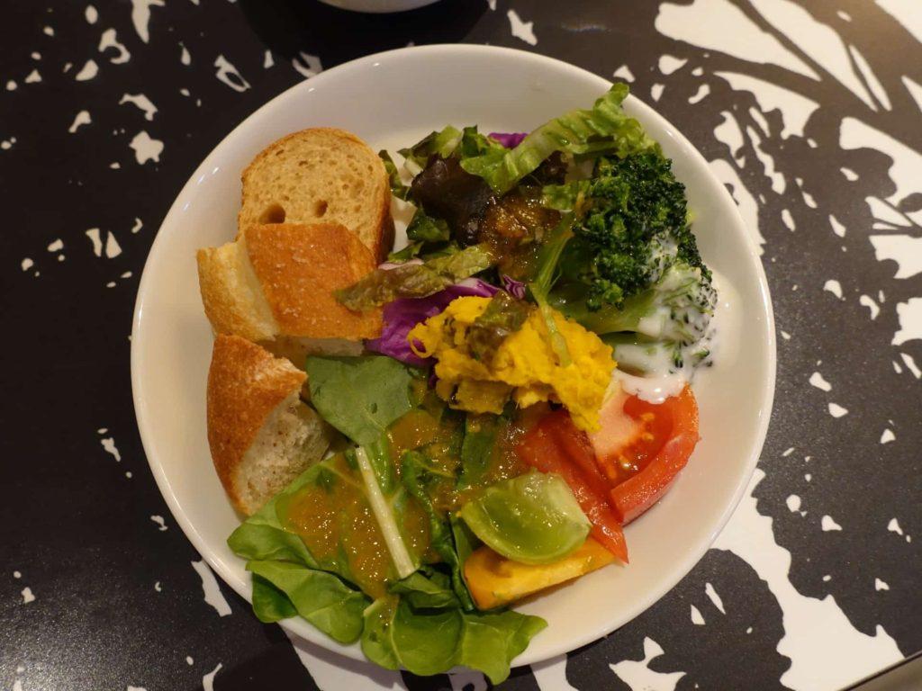収穫祭 三宮店 ランチ メニュー 神戸 サラダ食べ放題 バイキング ビュッフェ