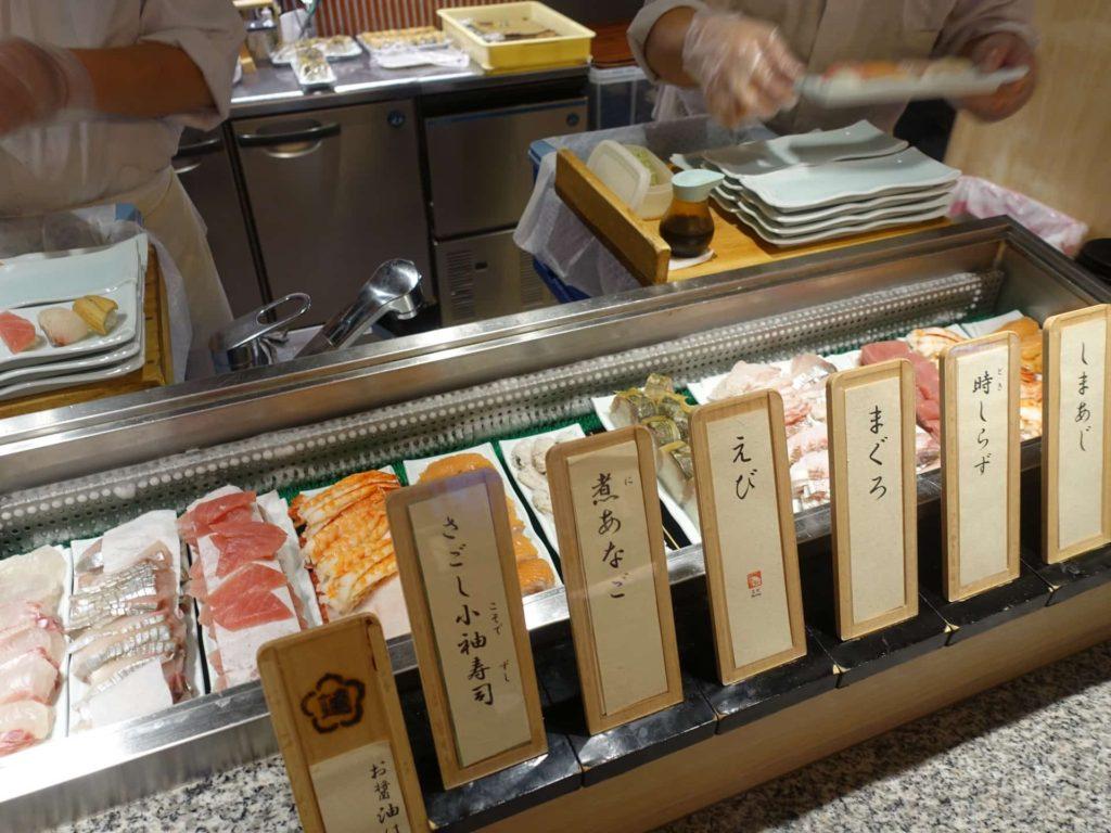 神戸 みなと温泉 蓮 万蓮 夕食 バイキング 食べ放題 ビュッフェ 食事 神戸みなと温泉蓮 レストラン 寿司