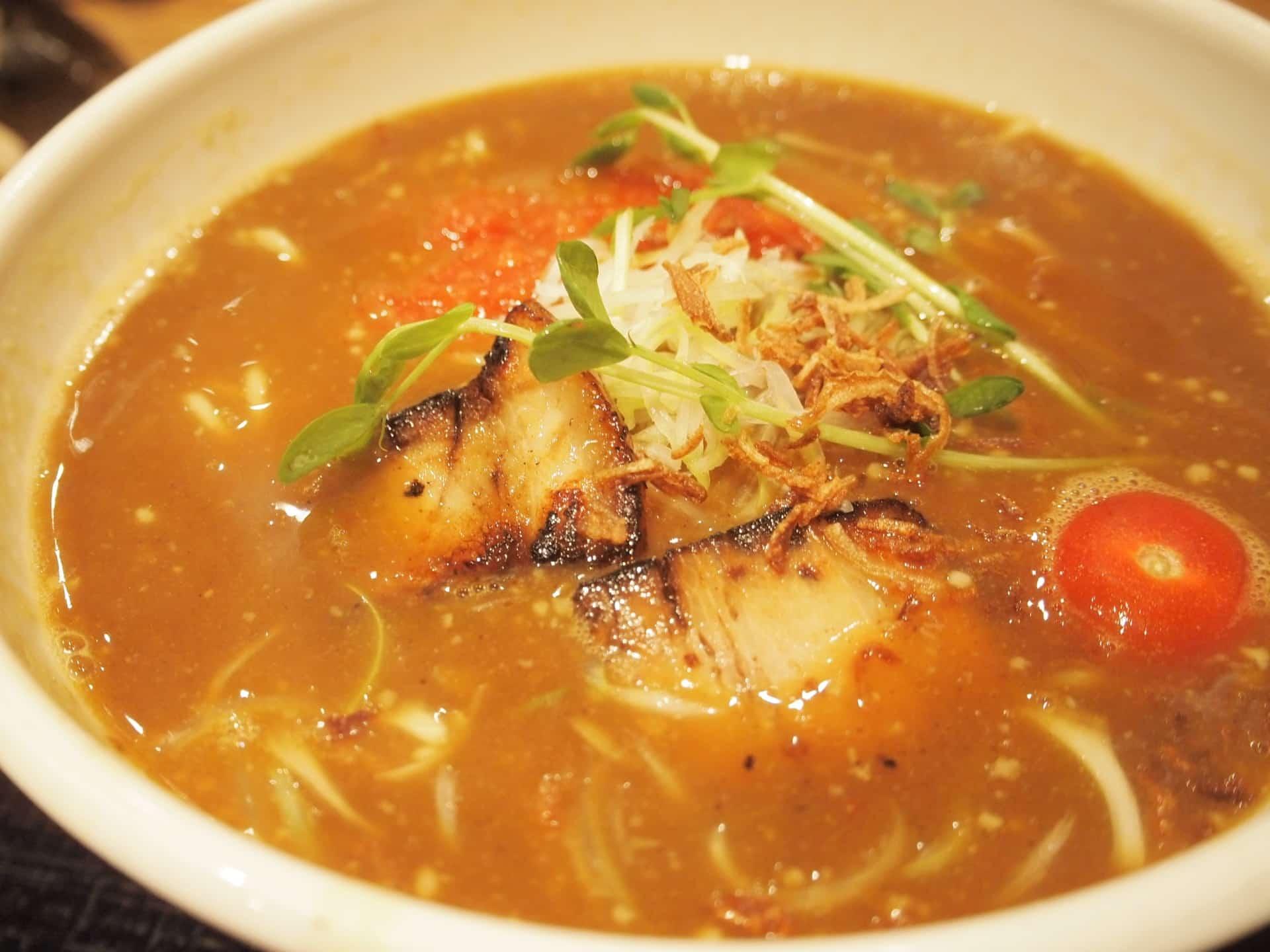 らぁめんたろう − ある時間帯は餃子無料!神戸で人気のラーメン屋。トマトラーメンもおすすめ