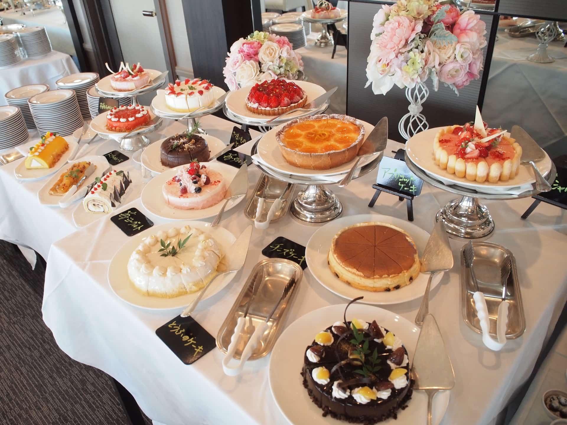 ホテルプラザ神戸 − 驚愕の2000円台!デザートバイキングは25種類以上のスイーツ食べ放題
