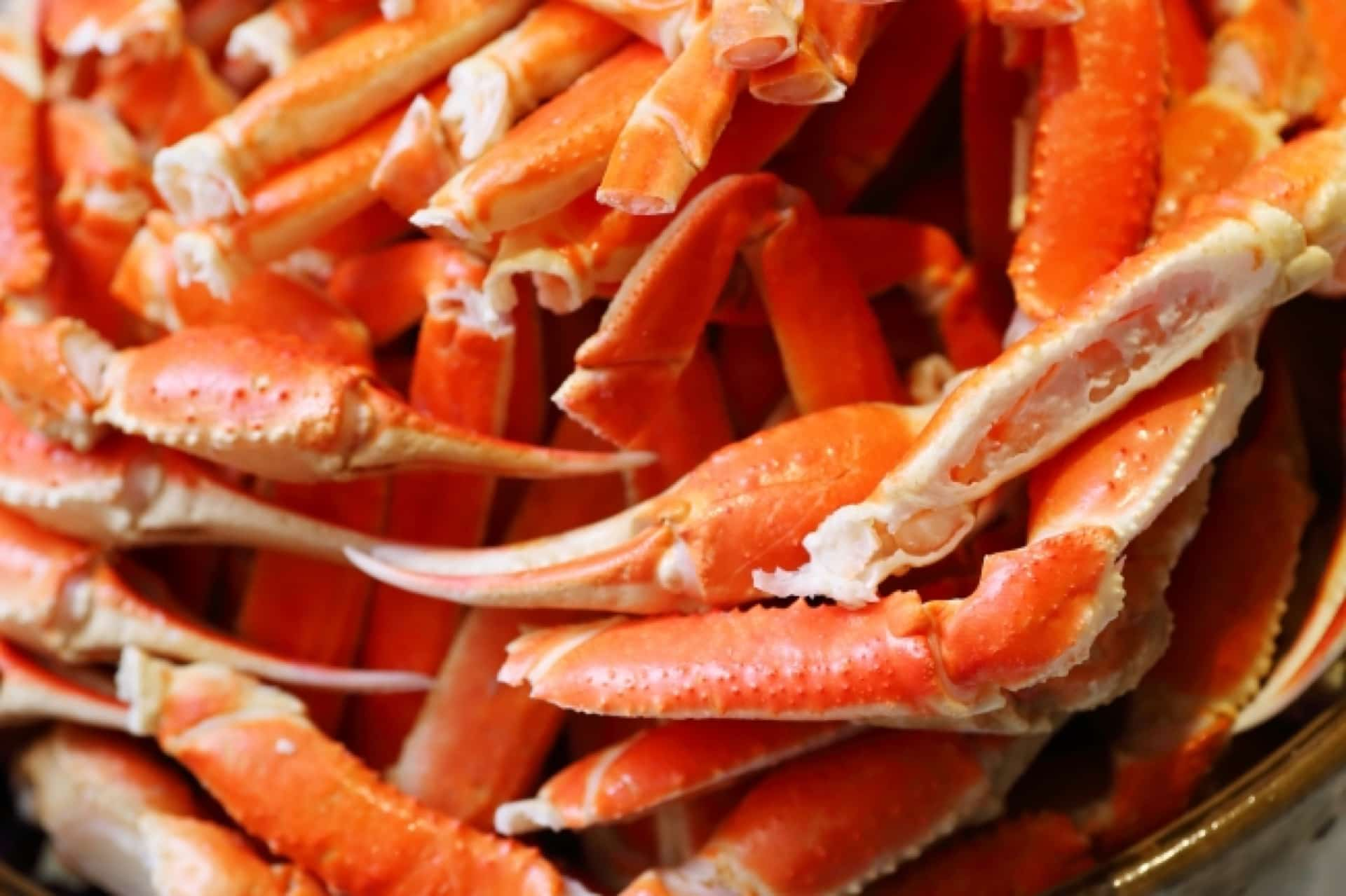 期間限定!神戸みなと温泉 蓮で「本ズワイ蟹食べ放題」が楽しめるよ。宿泊者限定のスペシャルビュッフェ