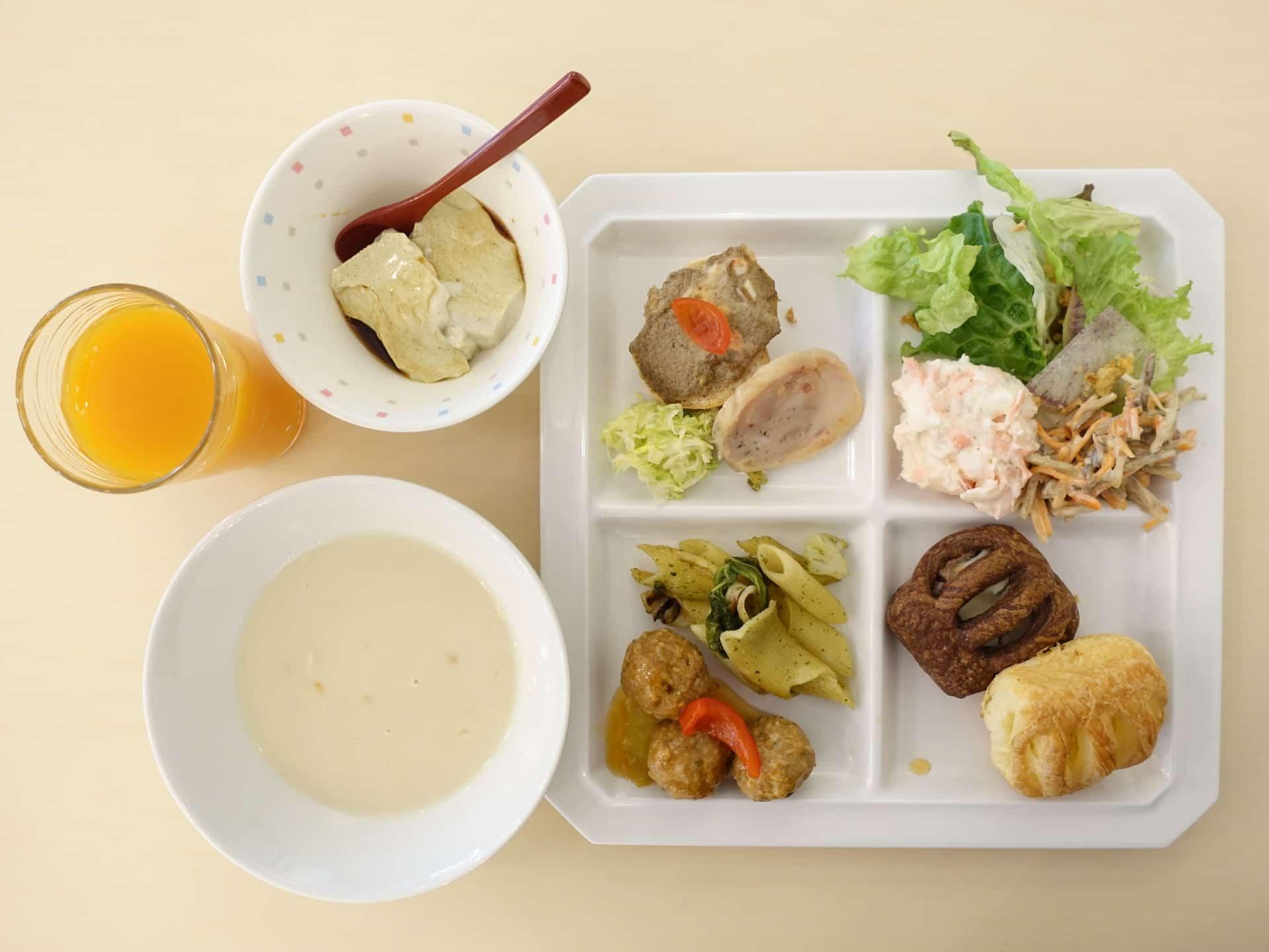 グランメール芦屋 − ランチは800円台で食べ放題!時間無制限で楽しめるコスパ最高なビュッフェ