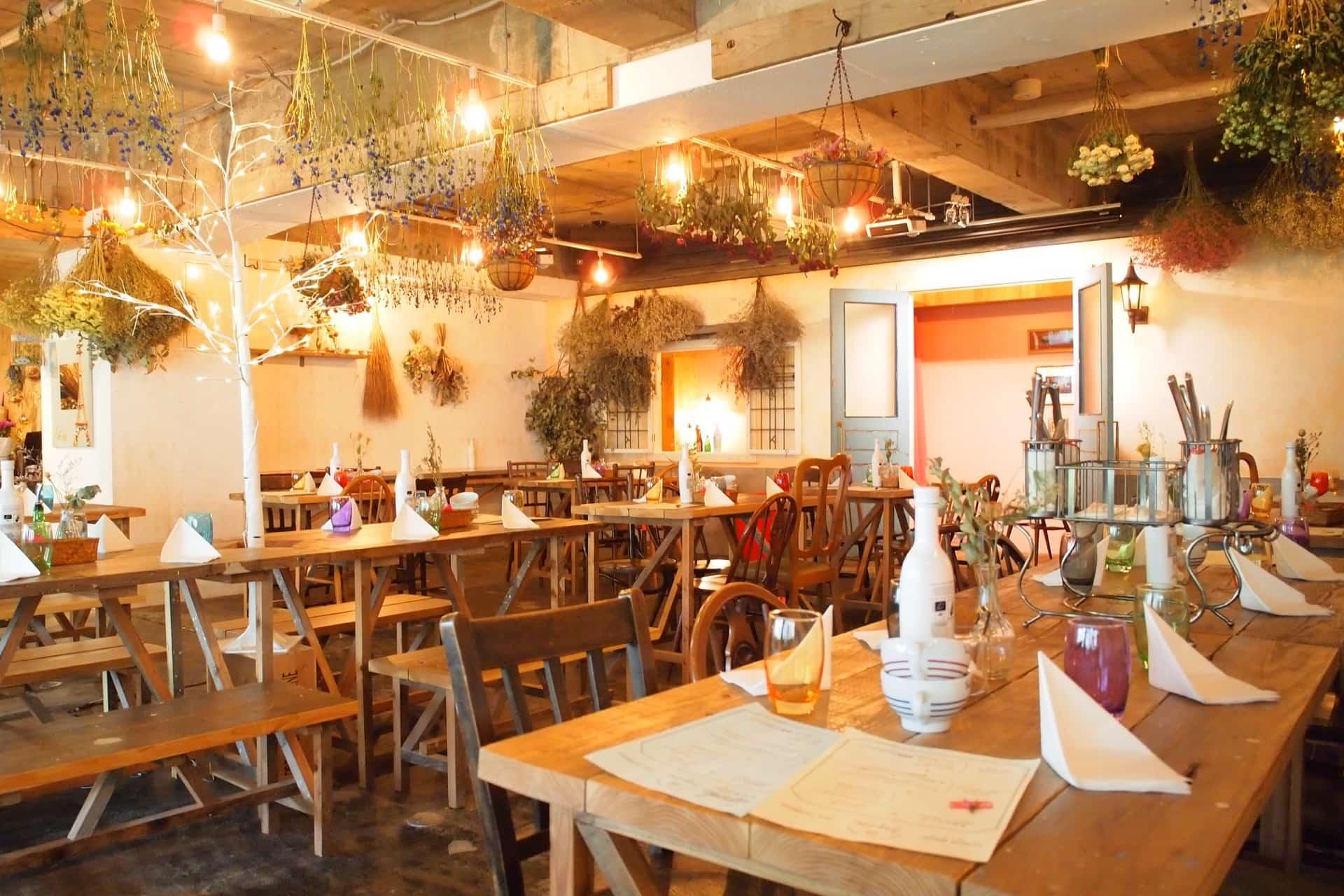 【閉店】3epice(トロワエピス) − ドライフラワーに囲まれたカフェで楽しむランチ&クレープ