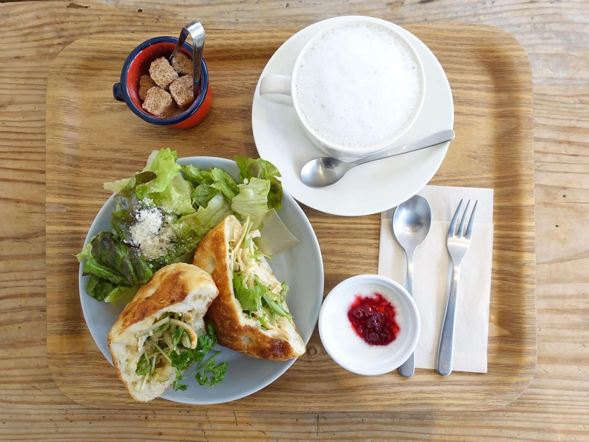 cafe yom pan(カフェヨムパン) − モーニングで外せないお店。花隈駅からすぐの場所で遅めの朝ごはん