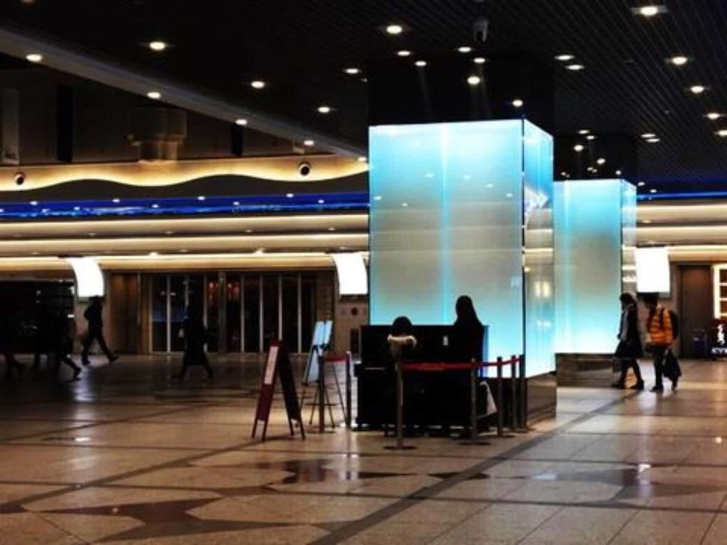 ストリートピアノ 神戸 場所 常設 設置場所