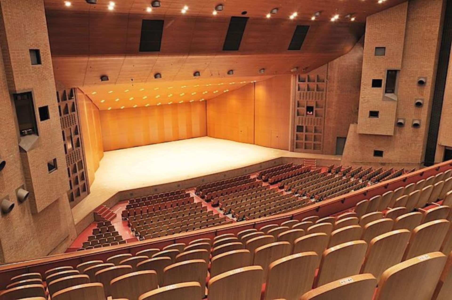 【神戸文化ホール】座席表・行き方・ランチ・おすすめスポットまとめ