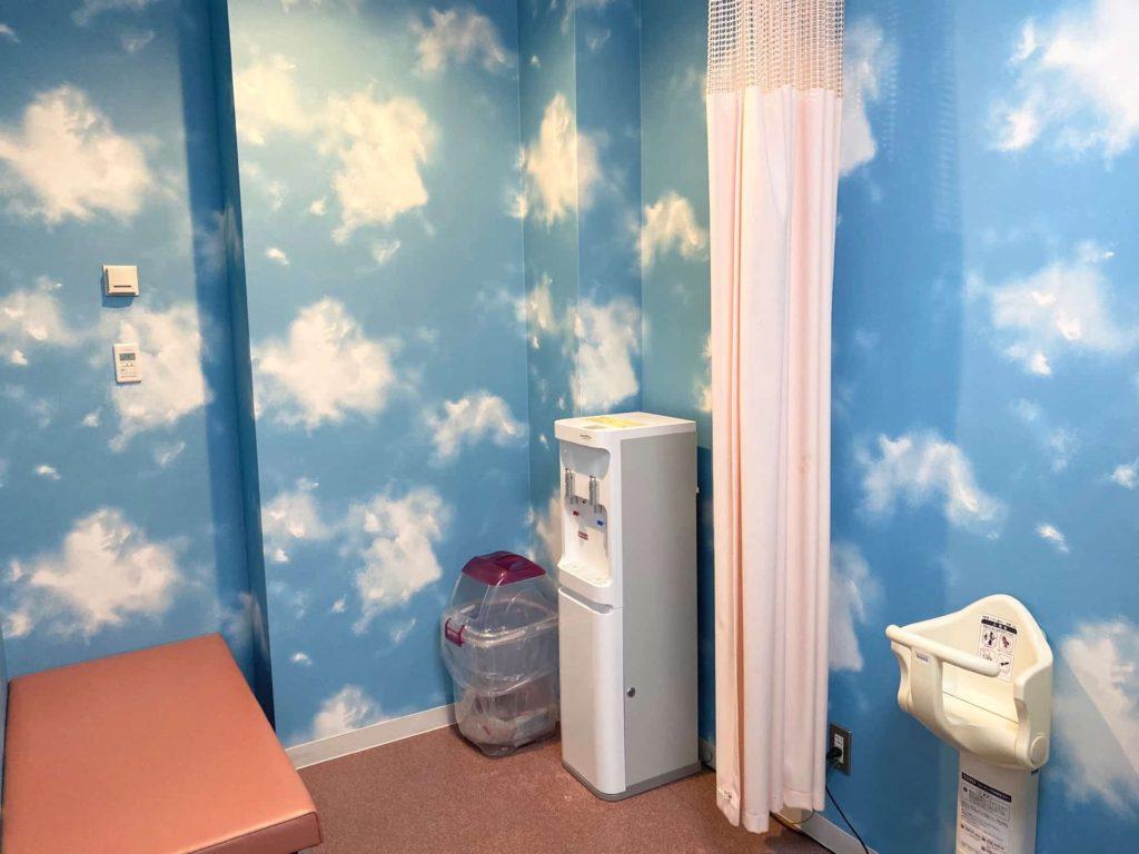 神戸空港 授乳室 1階 ミルク お湯 電子レンジ オムツ替え台