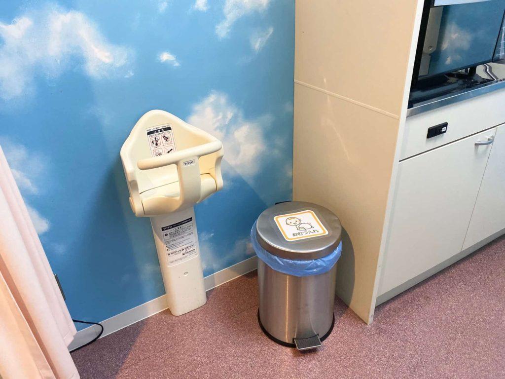 神戸空港 授乳室 1階 ベビーチェア