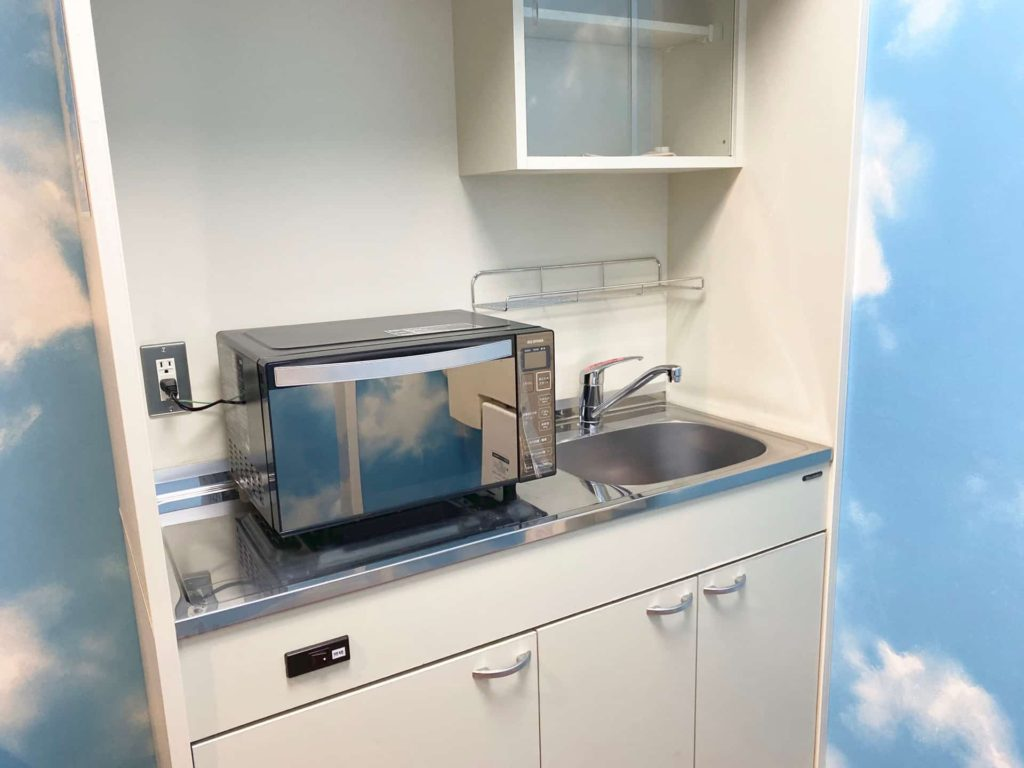 神戸空港 授乳室 1階 電子レンジ
